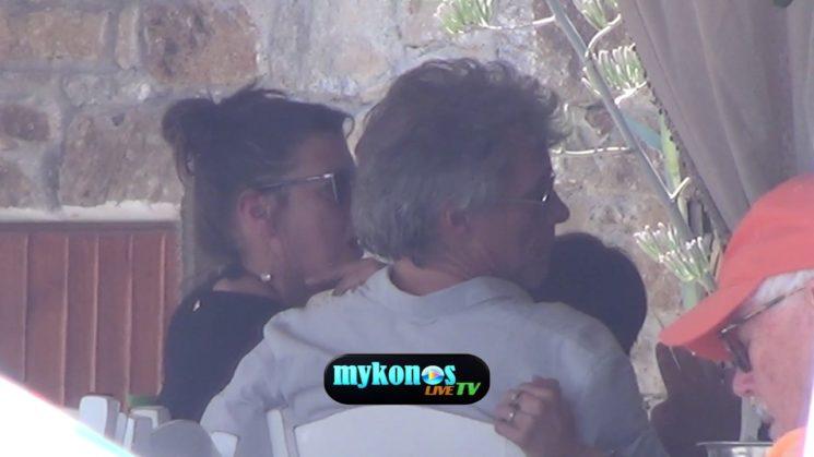 O John Bon Jovi βρισκεται στην Μυκονο