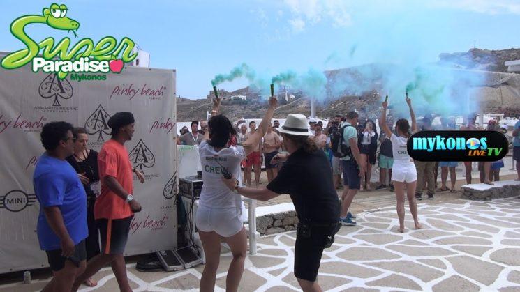 ο μαγος της μπαλας Ροναλντινιο και παλι στην Μυκονο για το Heineken Champions Voyage
